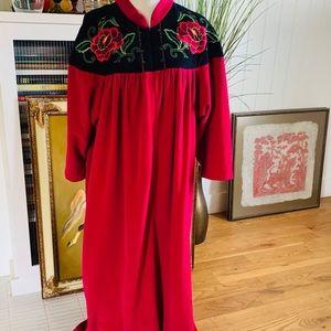 Vanity Fair XXL Zip Up Floral Robe